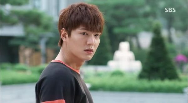 [YYeTs][The Heirs ep004][(099667)23-15-27].JPG