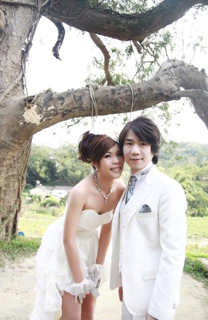 [ 婚嫁 ] 凱瑟琳婚紗 – 外拍妝髮造型篇 @Alina 愛琳娜 嗑美食瘋旅遊