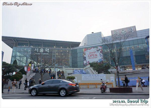 [ 2013.03 ] 韓國首爾自由行 Day 4 :LOTTE Mart 樂天超市 韓國必買的泡麵、零食通通帶回家 @Alina 愛琳娜 嗑美食瘋旅遊
