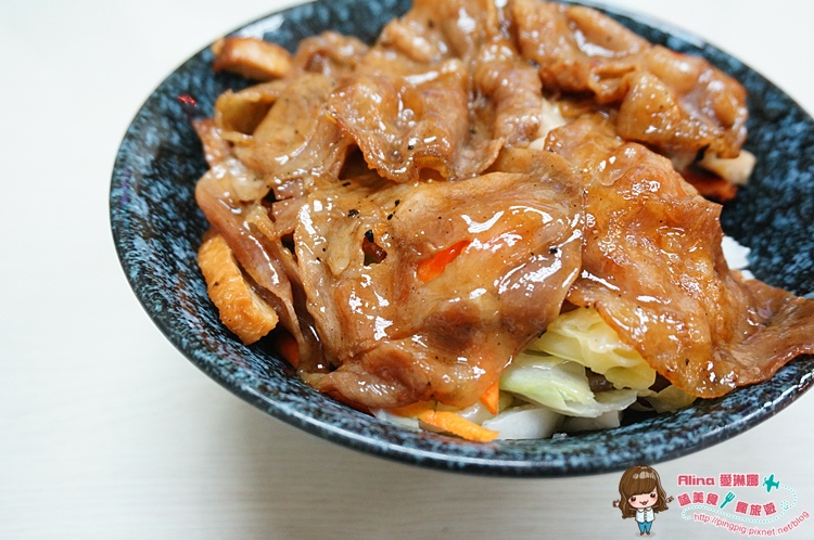 【食記】台北內湖 東湖捷運站 阿杜食堂 烤肉飯獨門炭烤香特調醬汁 讓人忍不住大口扒飯