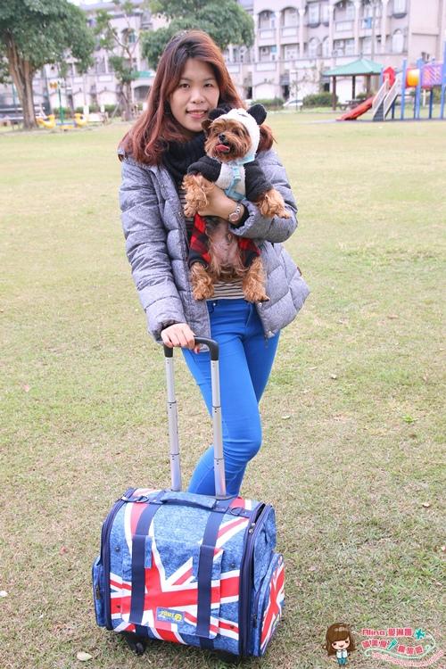 【寵物用品】瘋狂爪子CrazyPAWS 帶毛小孩狗狗兒四處旅行趣 搭火車也能輕鬆拖行的寵物拉桿箱 @Alina 愛琳娜 嗑美食瘋旅遊