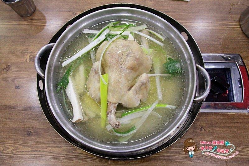 【首爾美食】新村梨大 孔陵一隻雞,超推薦的美味雞湯(附中文菜單) @Alina 愛琳娜 嗑美食瘋旅遊