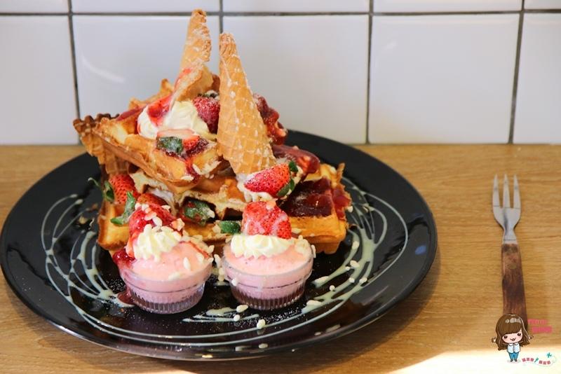 【食記】台北大安 牛口水 早午餐輕食下午茶 健康現打蔬果昔 大份量草莓鬆餅 近六張犁捷運站 @Alina 愛琳娜 嗑美食瘋旅遊