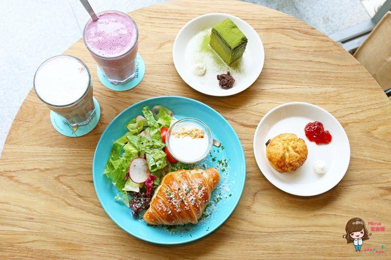 【食記】台北內湖 Fika Fika Cafe 二店 北歐簡約早午餐咖啡館 義大利帕芙隆乳酪火腿可頌