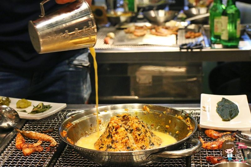 【首爾美食】弘大239 蘋果五花肉 韓式烤肉 韓國調味牛肉 火山炒飯 蘋果調酒 @Alina 愛琳娜 嗑美食瘋旅遊