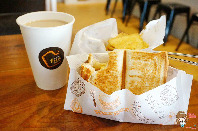 【食記】台北東湖 食分樂 熱壓吐司早午餐 火烤黃金三明治 牧場牛乳紅茶 鮮奶茶好喝 @Alina 愛琳娜 嗑美食瘋旅遊
