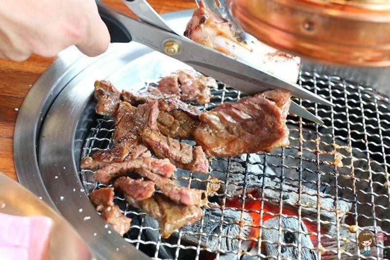 【食記】台北信義 Meat Love 韓式炭火燒肉餐廳 高價位韓國烤肉 秘醬帶骨牛小排 橡木炭直火烤牛肉 @Alina 愛琳娜 嗑美食瘋旅遊
