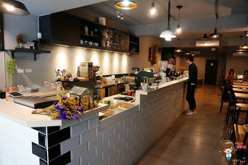 【食記】台北行天宮 白蓮達 Coffee 靜靜的文青風 不限時咖啡館
