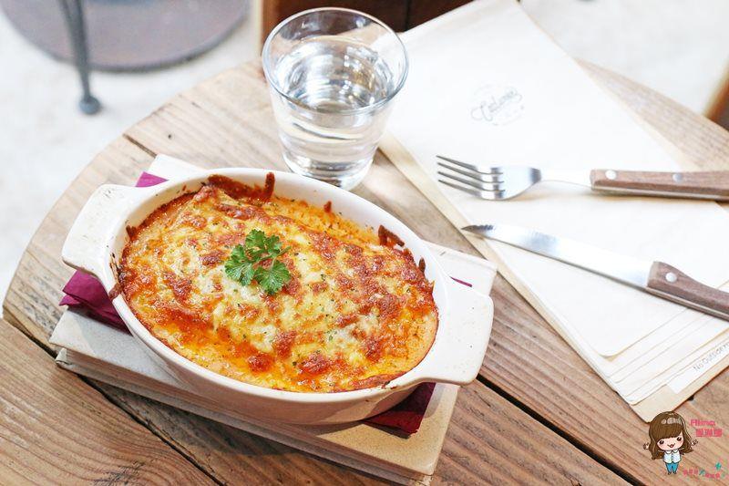 【食記】台北東區 COSTUMICE CAFE 從白天就開始熱鬧的 LOUNGE Bar @Alina 愛琳娜 嗑美食瘋旅遊