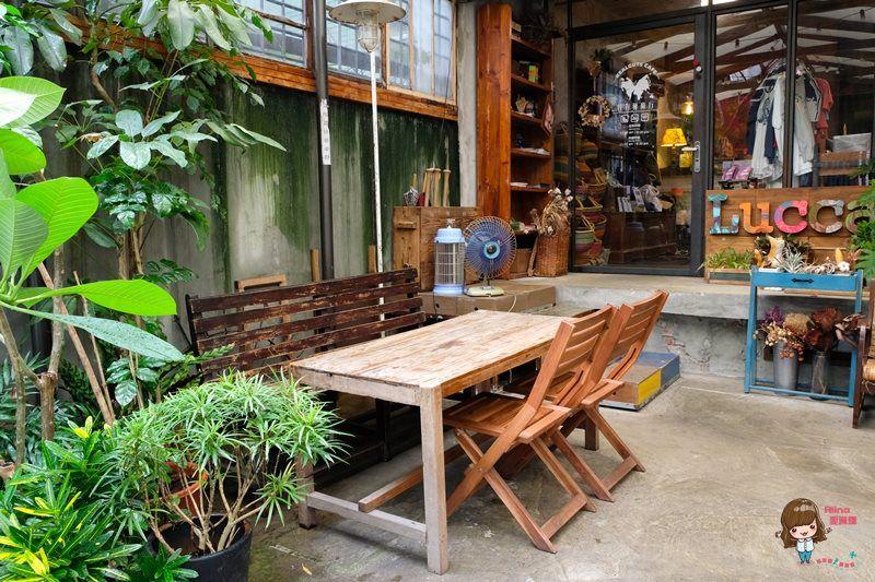 【食記】台北忠孝新生 特有種商行 媽媽味叉燒飯 用餐不限時 複合式電影咖啡館