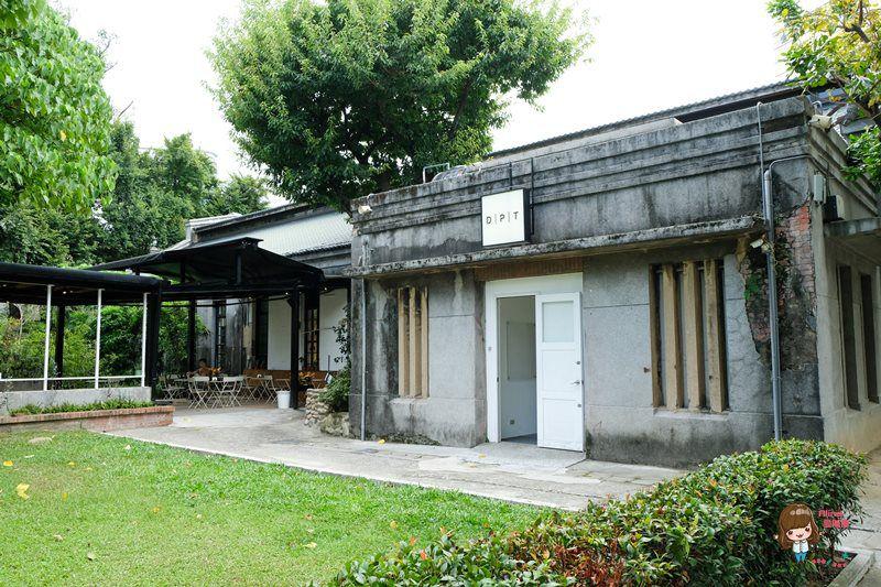 【食記】台北 華山文創 COFFEE DPT 森林系白色歐風咖啡館 近忠孝新生光華商圈