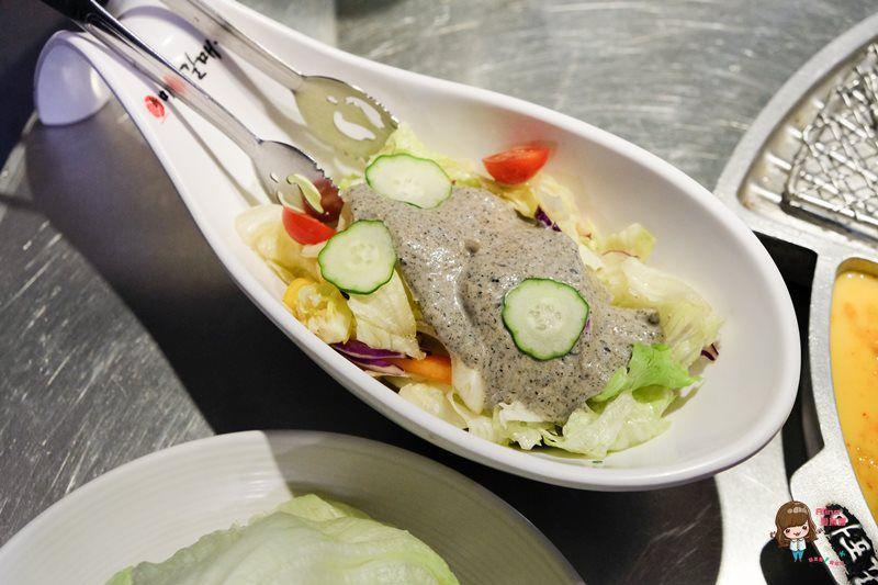 【食記】台北東區 新麻蒲海鷗 韓國烤肉 醬燒牛排骨必吃美味 韓式料理口味多樣