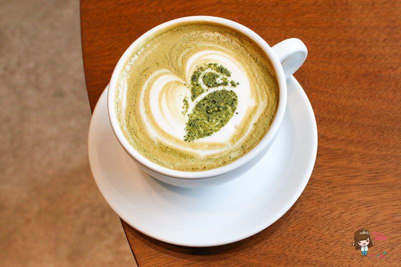 【食記】台北中山 白夜貓子咖啡 輕食蛋糕 溫馨北歐風 貓頭鷹主題咖啡館 美味早午餐