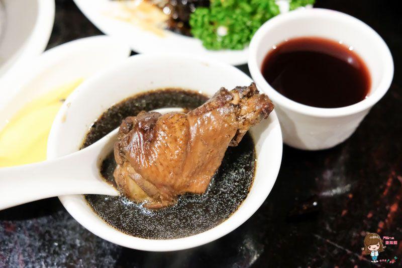 【食記】台北松江 何首烏皇帝雞餐廳 烏骨雞湯 冬天進補暖心胃的養身料理 @Alina 愛琳娜 嗑美食瘋旅遊