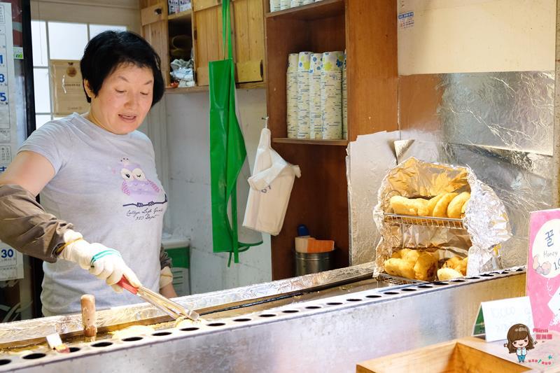 【首爾自由行】北村 三清洞黑糖餅 韓國傳統小吃 杯裝邊走邊吃 小心燙口噴汁