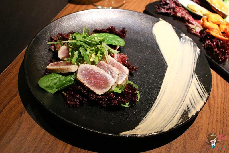 炙燒鮪魚刺身沙拉