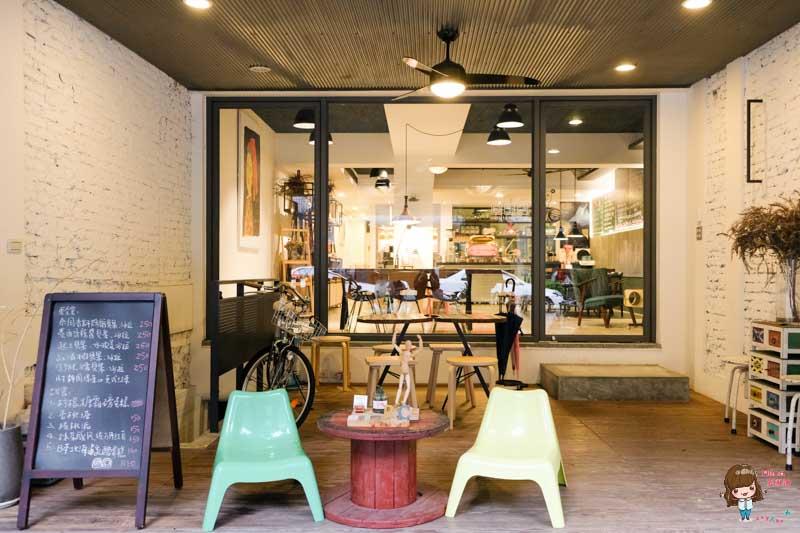 【食記】台北松山 Red Circle 紅圈圈 富錦街咖啡館 民生社區內的文青小叛逆