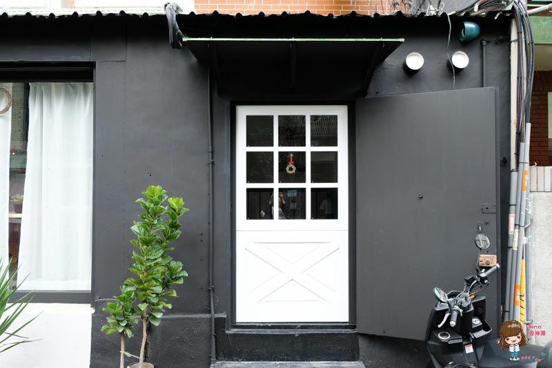【食記】台北中山 時差Jetlag 文青咖啡館 美味雞腿飯 配上 大理石貝果的優雅