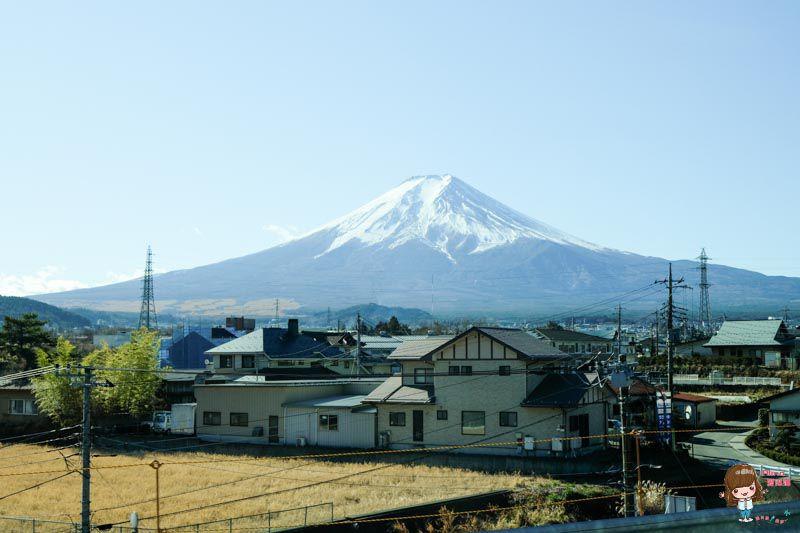 【日本必玩景點】日本 富士山一日遊 紅富士溫泉 御殿場Outlet超便宜 東京出發 GO!