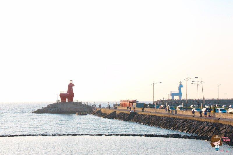濟州島景點推薦 梨湖小馬紅白燈塔