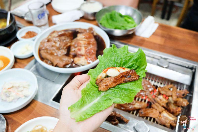 【濟州島美食】濟州市 泰山肋骨烤肉(太仙排骨) 在地人推薦! 平價調味烤豬肉 @Alina 愛琳娜 嗑美食瘋旅遊