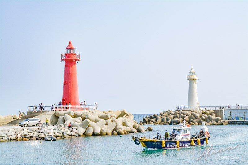 【釜山景點】青沙浦 雙胞胎燈塔-釜山天空步道旁的可愛紅白燈塔 @Alina 愛琳娜 嗑美食瘋旅遊