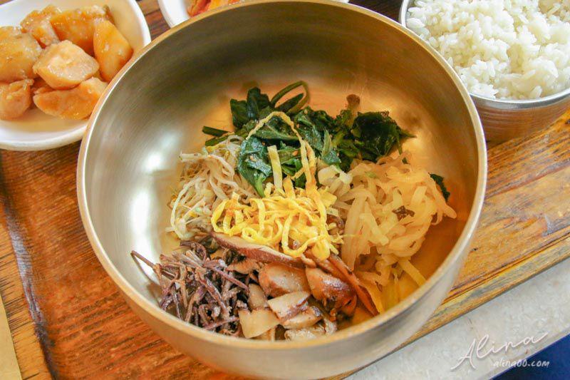 吃野菜的熊 韓式拌飯