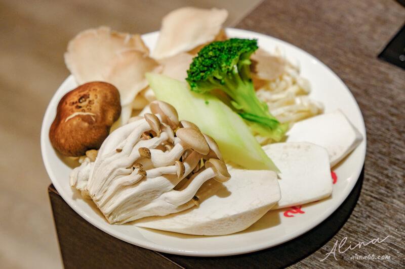 紅九九 火鍋綜合菇盤