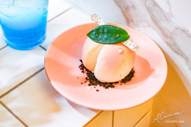 【首爾美食】 甜點研究所-明洞/弘大 甜品研究所,水蜜桃蛋糕夢幻可愛 @Alina 愛琳娜 嗑美食瘋旅遊