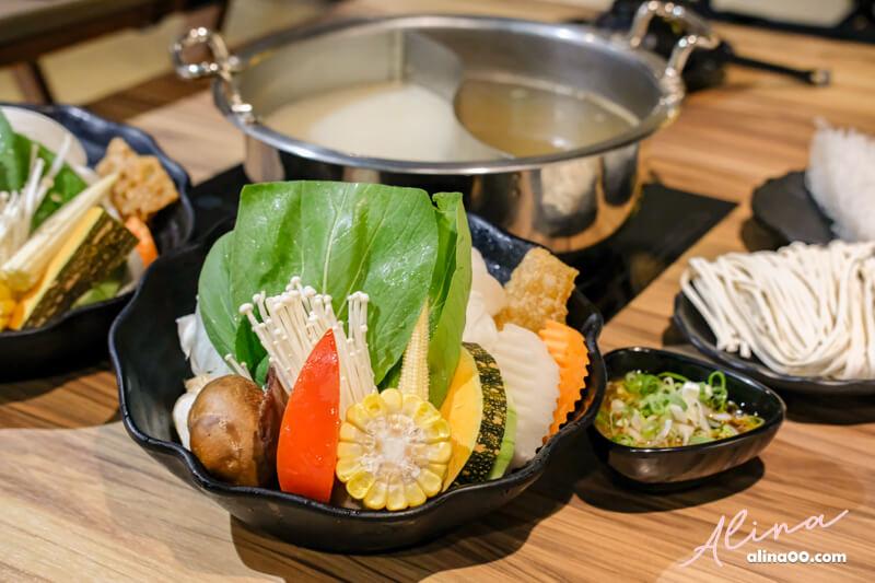 鍋台銘火鍋蔬菜盤