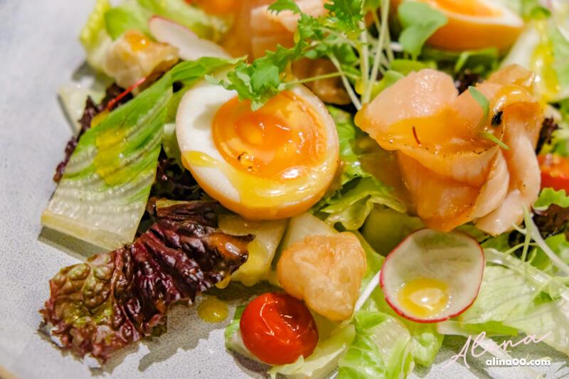 紹興溏心蛋炙燒鮭魚