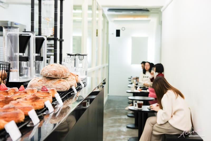 台北咖啡聽 紅豆圓法麵包
