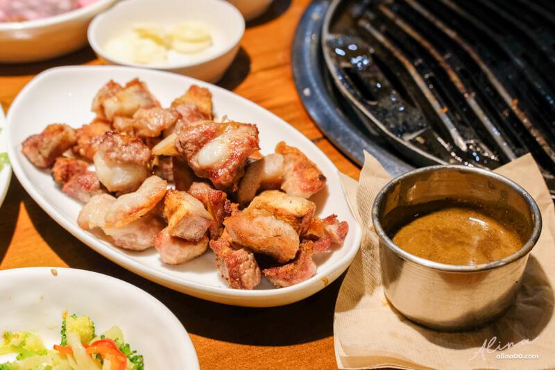 【濟州島美食】蓮洞 ZZZ濟州黑豬肉 必吃推薦:韓國烤黑豬肉拼盤 @Alina 愛琳娜 嗑美食瘋旅遊