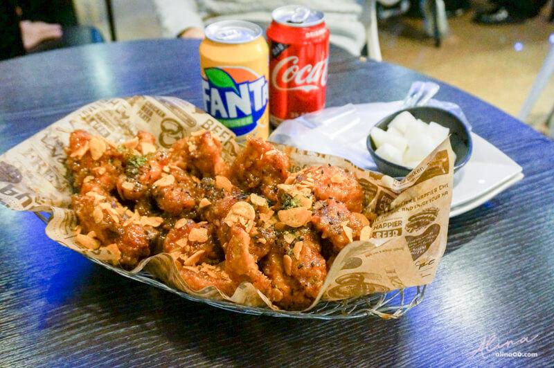 【首爾美食】BHC炸雞 弘大店:推薦有骨的蒜味蜂蜜炸雞最好吃! @Alina 愛琳娜 嗑美食瘋旅遊