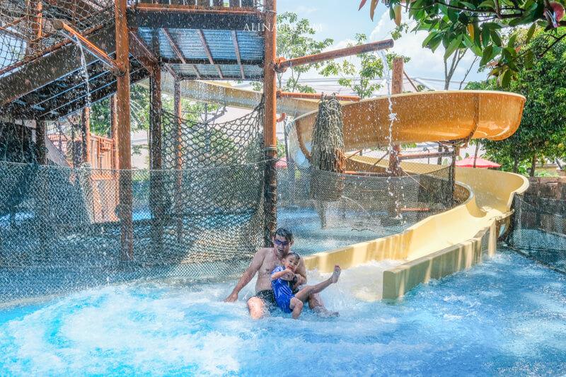 【新加坡景點】 水上探險樂園 夏日玩水推薦|彩虹礁游、海底行