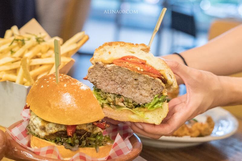 【食記】台北信義-Jamies Italian-奧利佛創意辣台味漢堡+特製披薩 @Alina 愛琳娜 嗑美食瘋旅遊