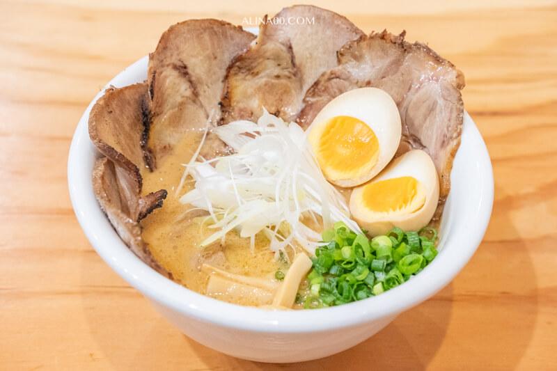 半熟雞白湯拉麵 トロ玉チャーシュー麺