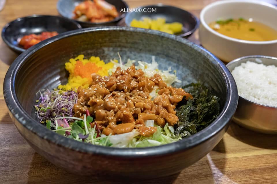 【首爾美食】 弘大韓式拌飯 덮불蓋飯|一人友善餐廳吃飯好方便 @Alina 愛琳娜 嗑美食瘋旅遊