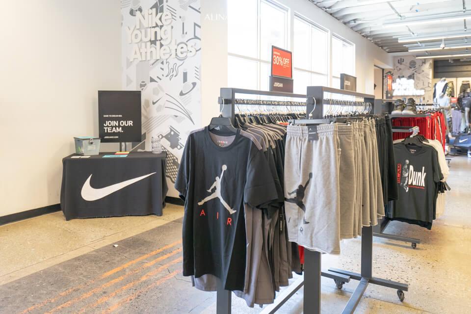 Woodbury Outlet 伍德柏瑞暢貨購物中心必買 Nike
