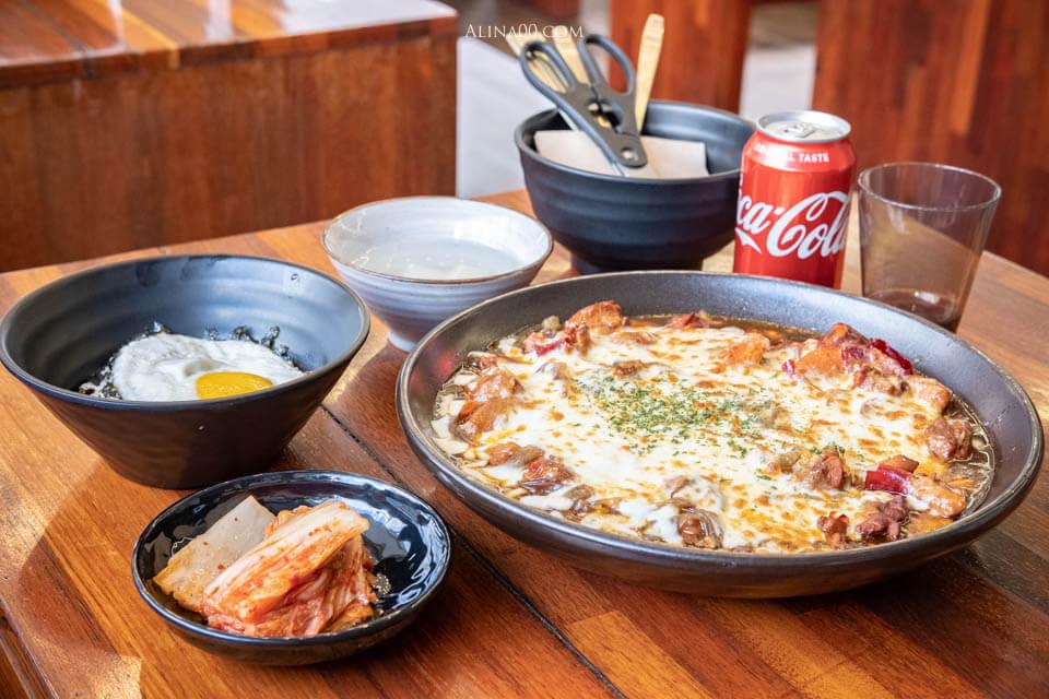 【首爾美食】明洞 一味里金雞燉雞 |韓國燉雞加起司更香濃好吃 @Alina 愛琳娜 嗑美食瘋旅遊