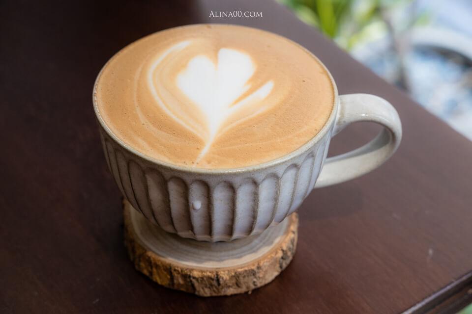 焦糖海鹽拿鐵咖啡