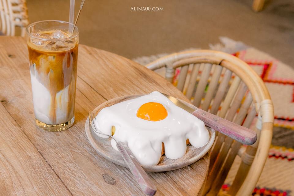 【首爾咖啡廳】弘大 LA VIE DES MARIES 太陽蛋吐司|文青可愛還有柯基店狗 @Alina 愛琳娜 嗑美食瘋旅遊
