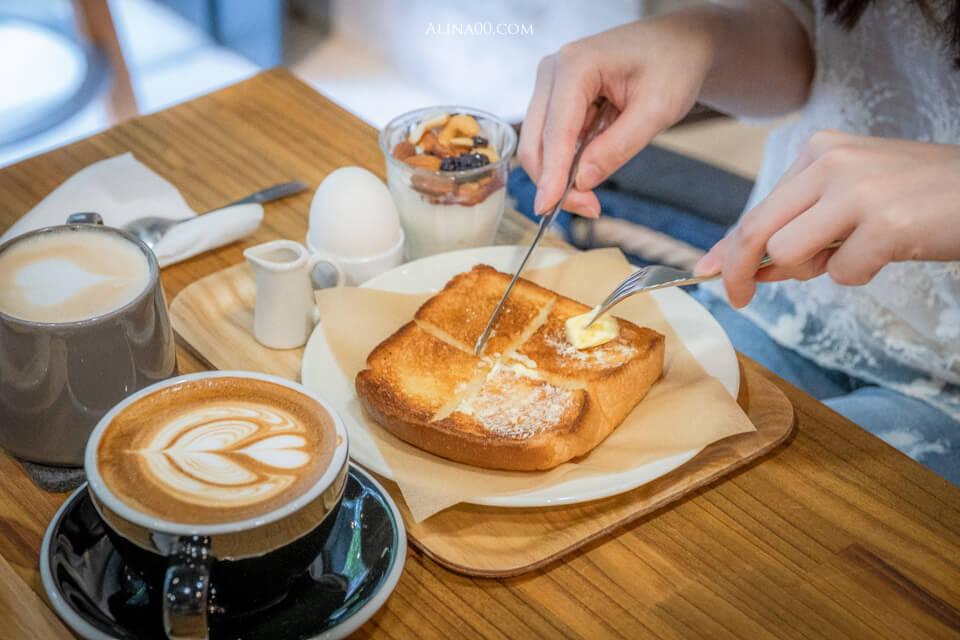 【台北美食】 boven cafe 雜誌圖書館|東區文青不限時咖啡廳 @Alina 愛琳娜 嗑美食瘋旅遊
