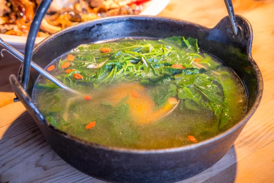 月廬食堂野菜湯