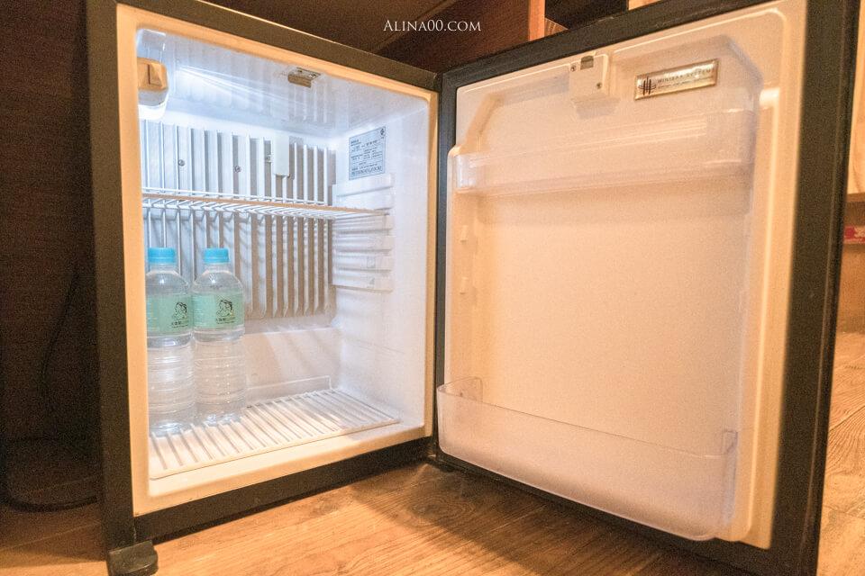 電子小冰箱