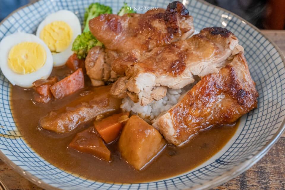 日式雞腿排咖哩飯