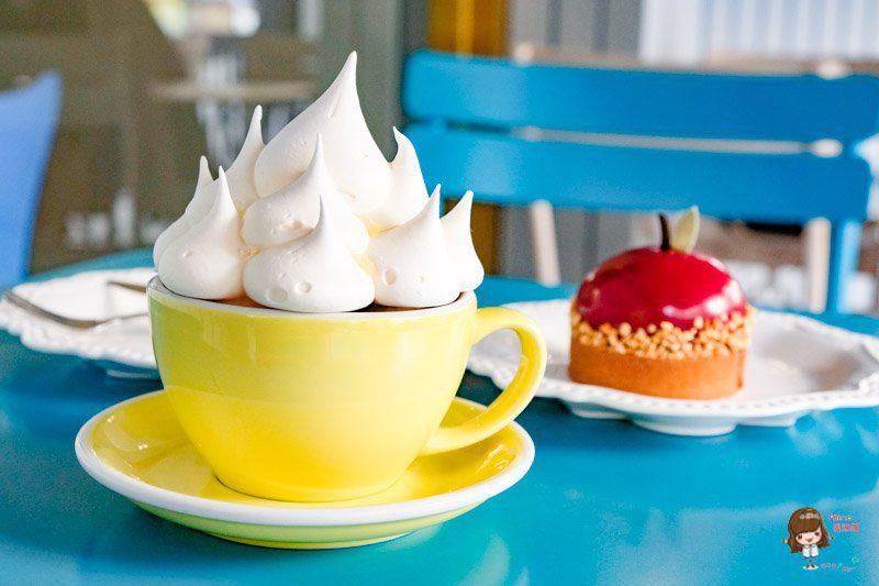 【韓國咖啡館】亭子洞咖啡街 HELSINKI 헬싱키 金秘書為何那樣 韓劇景點 @Alina 愛琳娜 嗑美食瘋旅遊