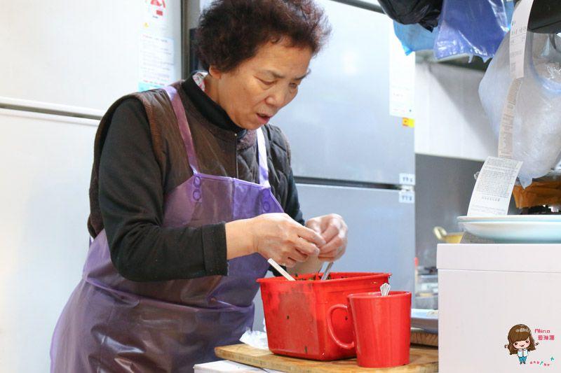 【首爾美食】一隻雞刀切麵 元祖家 清甜雞湯刀削麵餃子-白鐘元的三大天王推薦