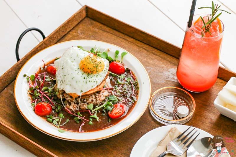 【濟州島美食】月汀里 滿月堂 紅酒漢堡排 悠閒的氛圍優雅的美味 @Alina 愛琳娜 嗑美食瘋旅遊